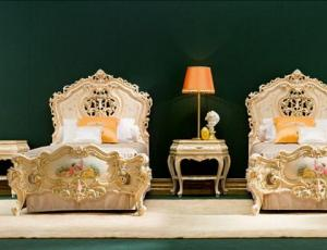 Мебельный гарнитур для одноместной спальни SELENE в стиле барокко
